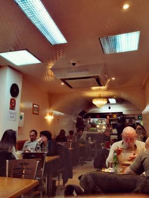 ベルヴィルのベトナム料理店.jpg