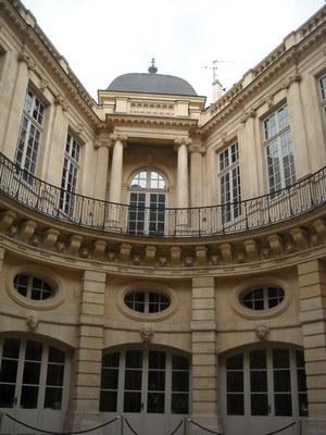 Hotel de Beauvais   (5).JPG