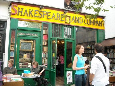 chakespeare and company.JPG
