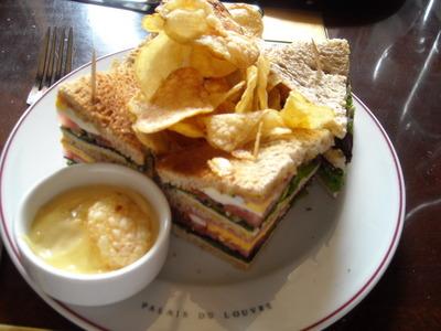 club-sandwich in cafe marly.JPG
