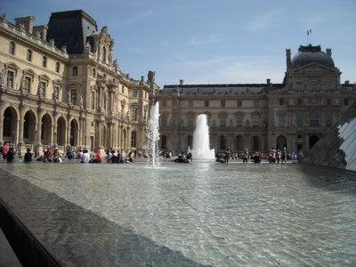 cour du Louvre.JPG