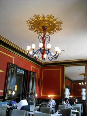 le cafe marly inside (2).JPG