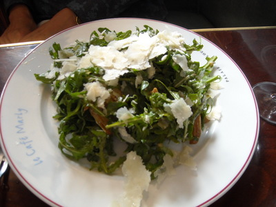 roquette salade in cafe marly.JPG